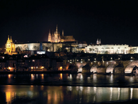 b_480_360_16777215_00_images_tours_12-prague-castle-charles-bridge-night-2.jpg